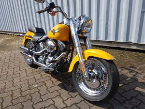 HARLEY DAVIDSON FAT BOY 2011 IN CHROME YELLOW